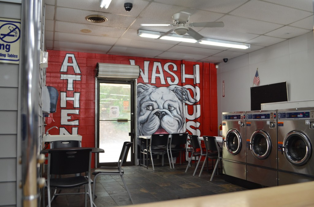 The Kent Krew, Athens Laundromats, Athens Wash House, Athens Georgia, UGA Wash Houses, UGA Laundromats, Go Dawgs, Go dogs, Georgia Bulldogs, Amy Kent